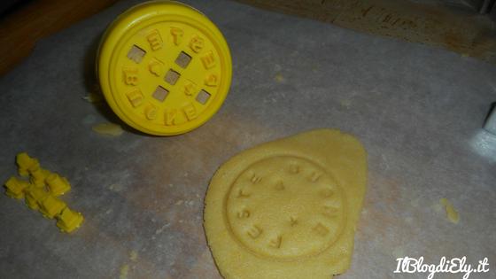 biscotti con auguri di natale