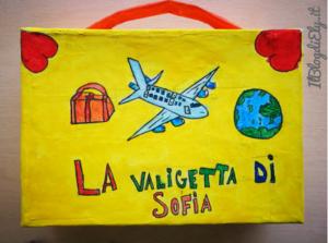 valigetta fai da te con cartone riciclato per bambini viaggiatori